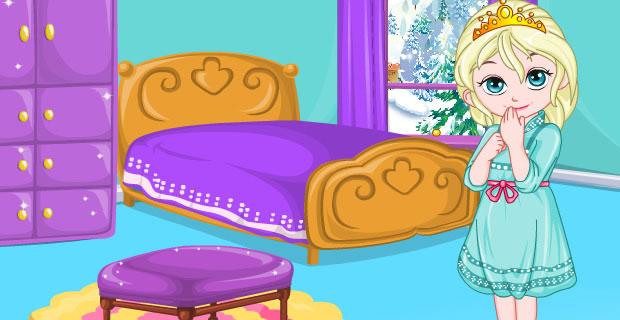 Bébé Elsa décore sa chambre